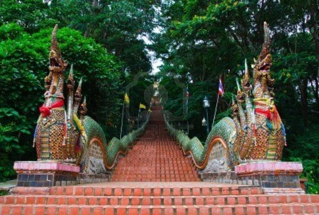 Wat-Phrathad-Doi-Suthep