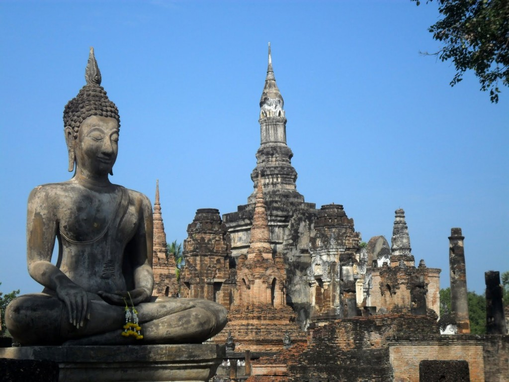 seated-buddha-1-city-pillar-shrine-wat-mahathat-sukhothai-muang-kao-historical-park-thailand