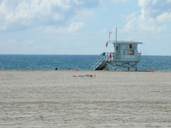 Plage de Venice Beach et cabine de lifesavers